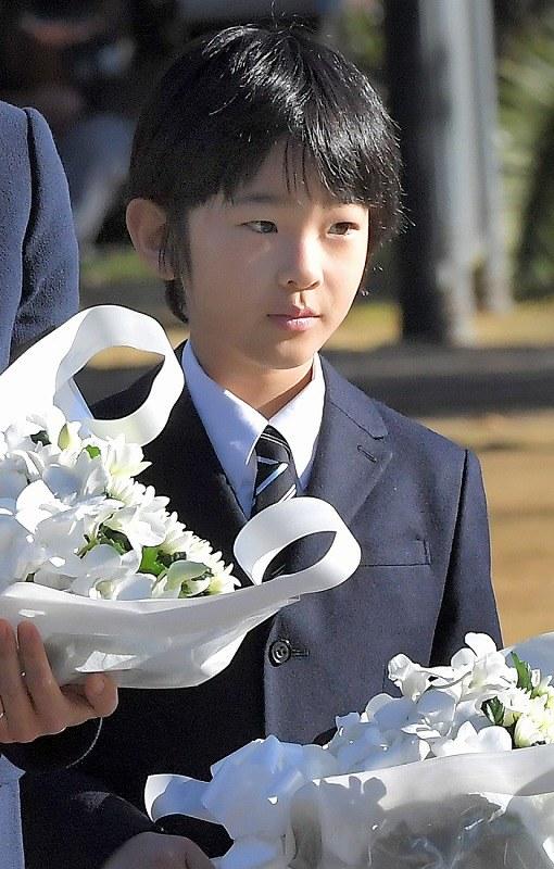 【皇室】秋篠宮ご夫妻と悠仁さま、長崎で原爆の犠牲者を慰霊©2ch.net YouTube動画>26本 ->画像>788枚