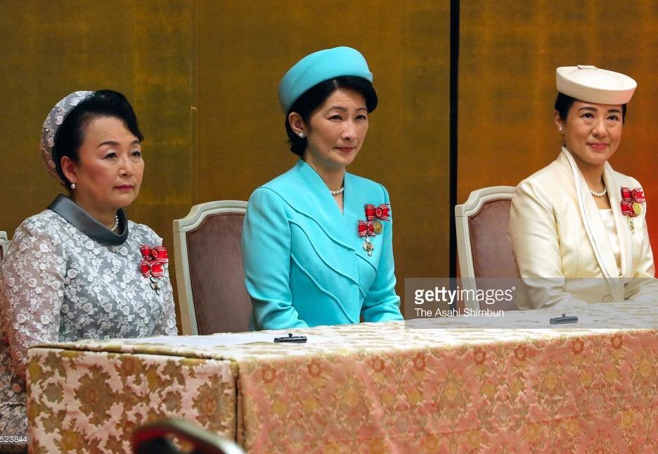 【皇室】両陛下ご出席 歌会始の儀 お題は「語」 来年のお題は「光」YouTube動画>15本 ->画像>269枚