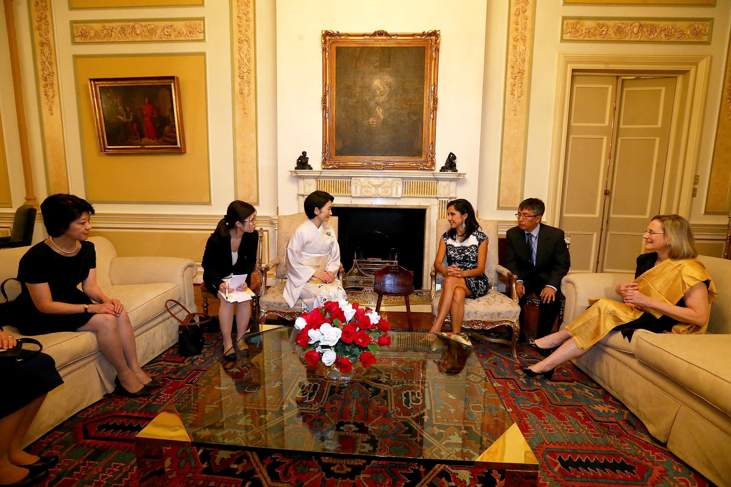 秋篠宮ご夫妻が行かれなかった英国王室の結婚式YouTube動画>2本 ->画像>819枚